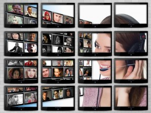 monitor 1054592 1280 300x225 - YouTube動画の魅力的なカスタムサムネイル4つのコツ、サイズ&設定方法