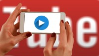 hands 1167622 640 200x114 - YouTube人気動画リサーチ方法(キーワード編)